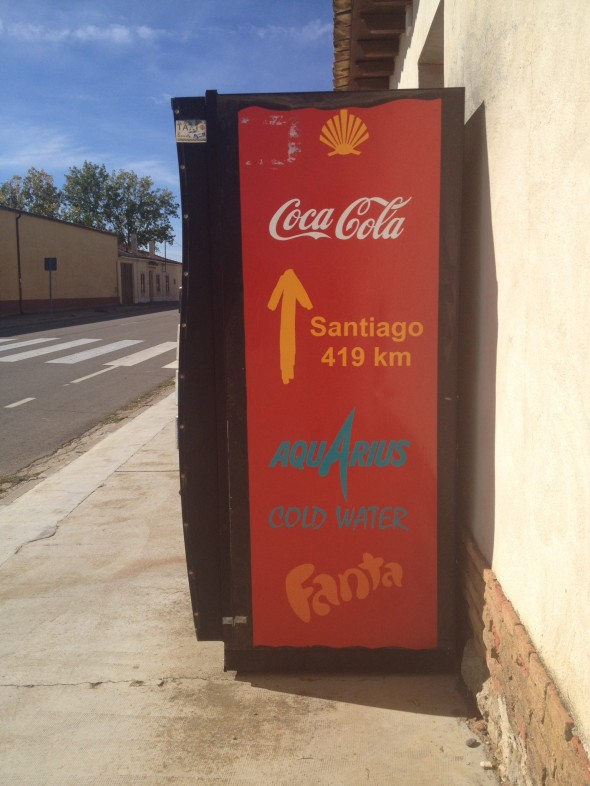 Even the Coke machine bears a Flecha Amarilla (yellow arrow) showing us the way to go!